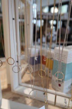 amersfoort tour blur your life minimalistische kettingen