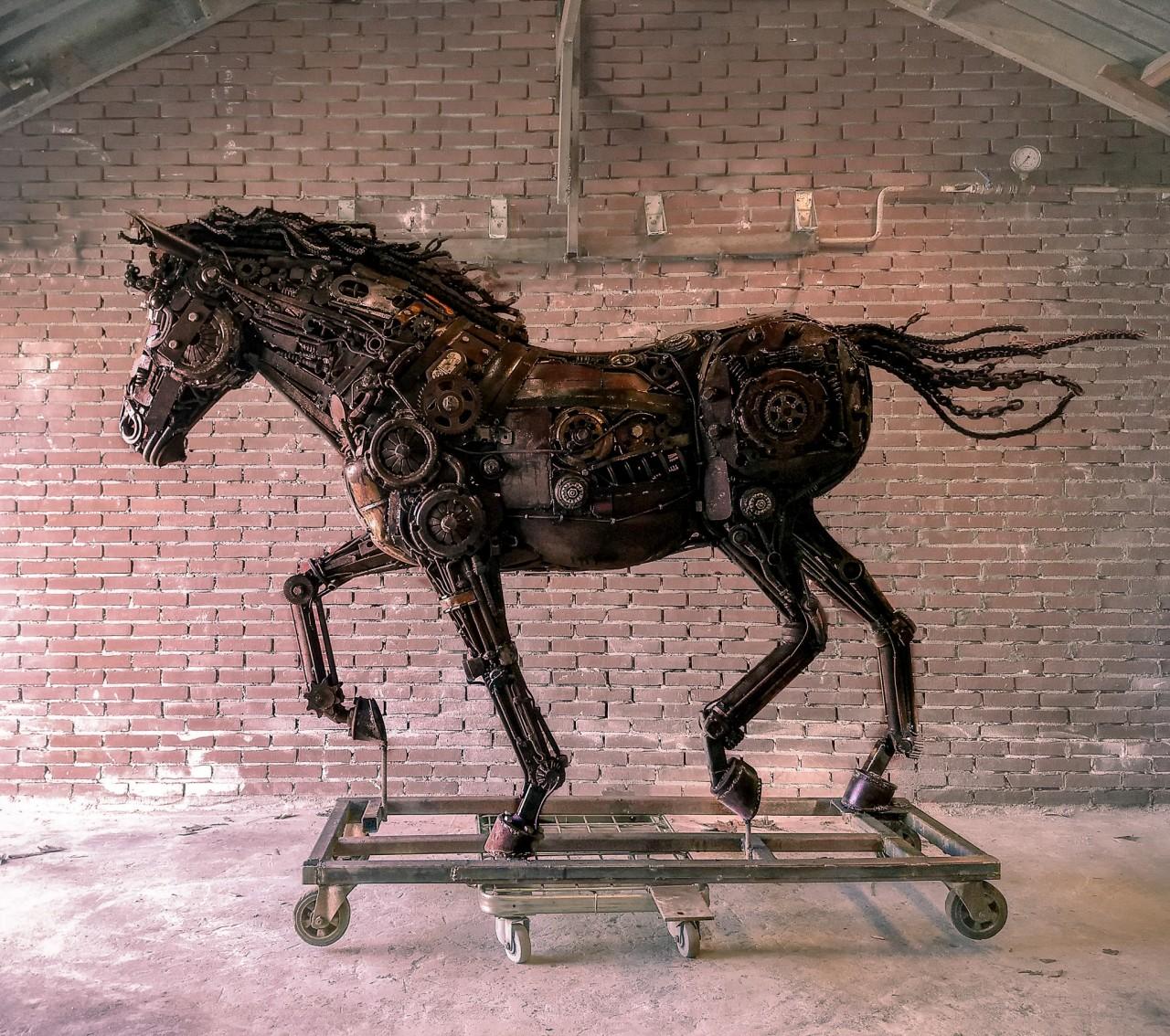 Beeldenexpositie Grand Hotel Karel V Foto beeld - Jeroen Jacobs